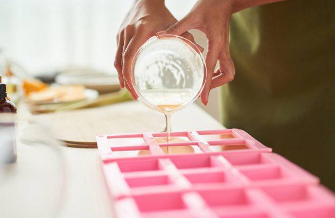 Olej parafinowy jako produkt o wszechstronnym zastosowaniu w medycynie i kosmetyce
